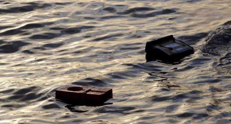 Encuentran restos de avión caza que se estrelló en aguas de la Florida