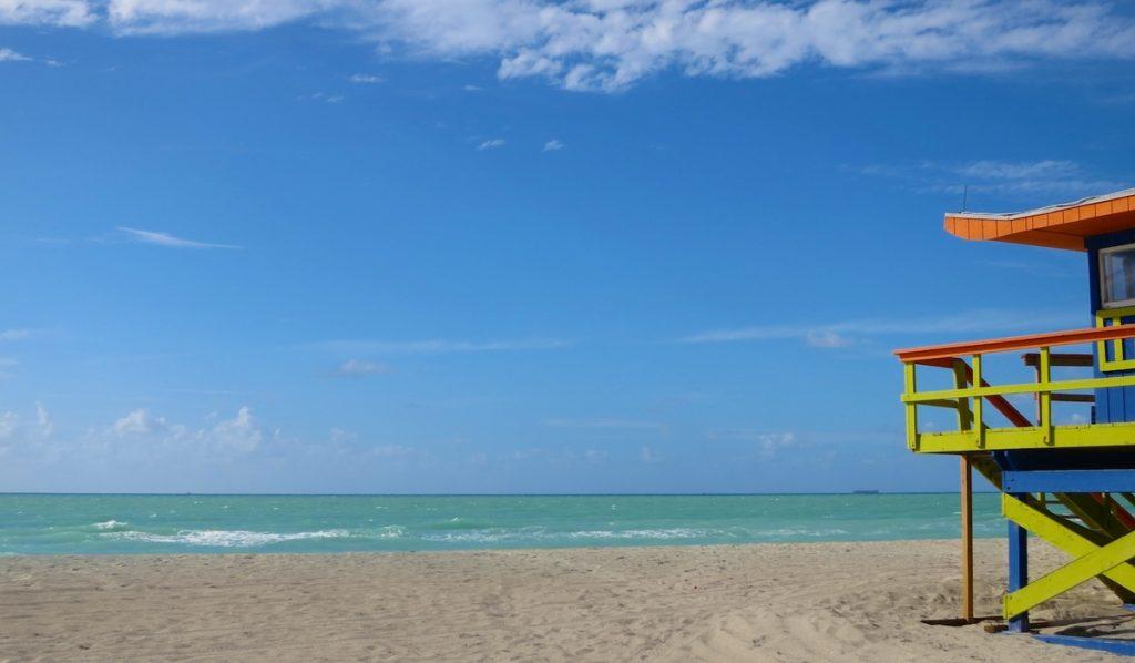 Hallan bacteria en playas de Miami