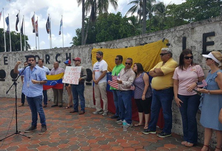 Jóvenes Republicanos de Miami rechazan ilegal ANC y el gobierno dictatorial de Maduro
