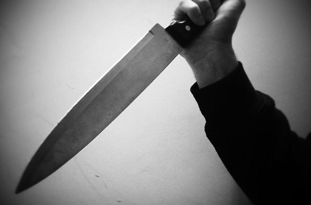 Miami: hombre asesina a su tía y apuñala a su padre con un cuchillo