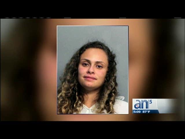 Venezolana fue arrestada tras robo de tarjeta en Miami