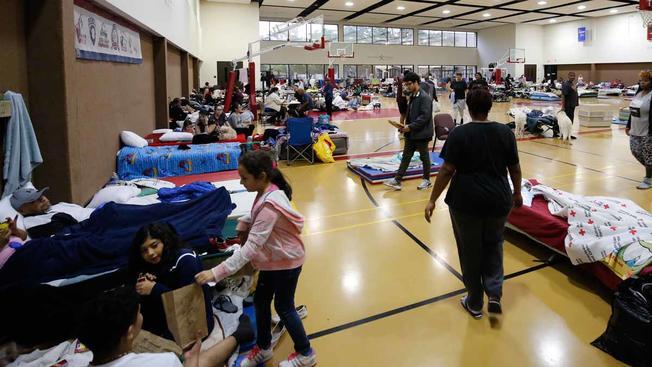 Abren cuatro nuevos refugios en Miami-Dade por huracán Irma
