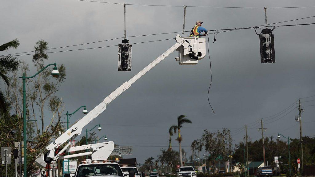 Florida sigue trabajando para superar impacto de Irma: recuperan electricidad en 80%