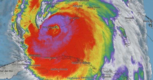 Huracán Irma impacta en los cayos de Florida