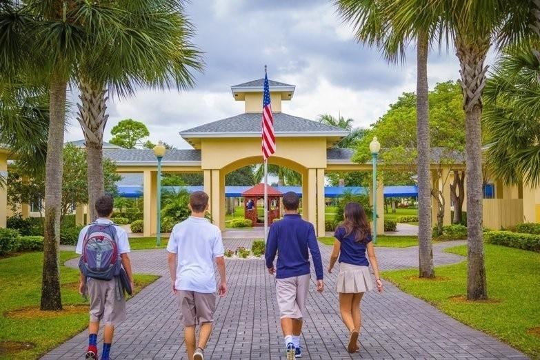 Directora de centro extraescolar en Florida fue arrestada por tener relaciones con un menor
