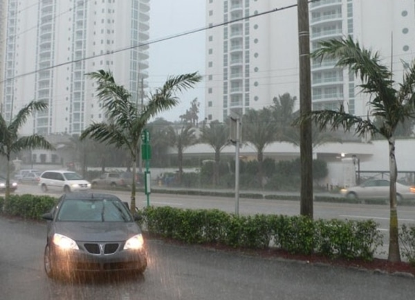 Residentes deBroward y Miami-Dade deben prepararse ante posible inundaciones